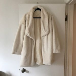 Jackets & Blazers - White faux fur jacket